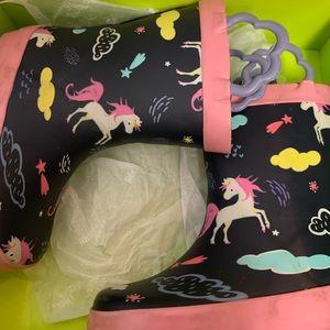 Toddler Girls rain boots, unicorn pattern, size 6